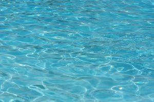 Kristalhelder water
